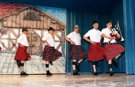 Ehrenmitglieder Ball 2001.JPG
